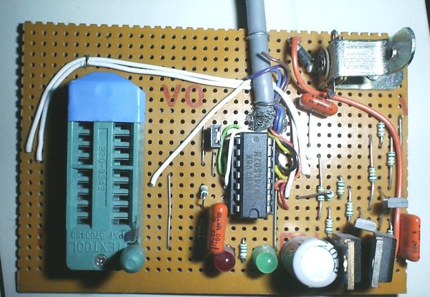 Picture of home-made PIC chip programmer.